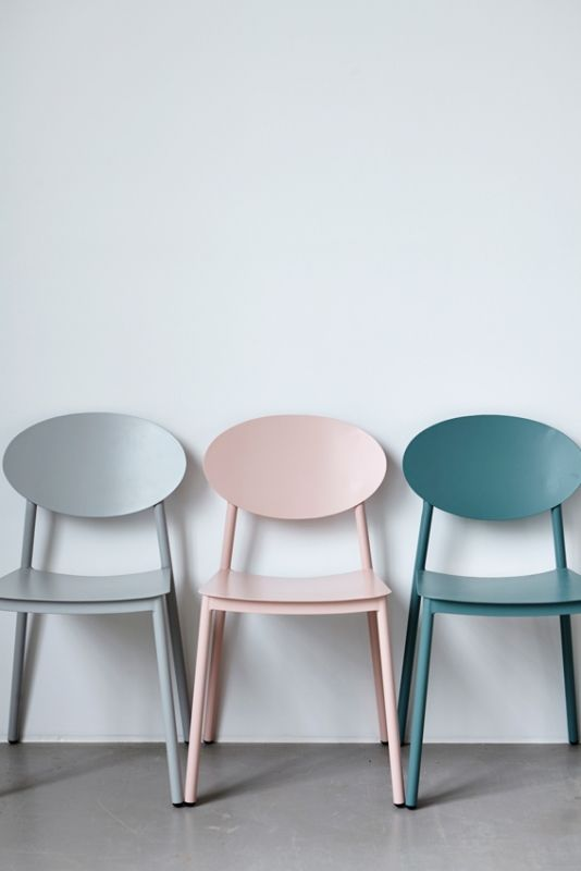 Chairs in soft pastels from House doctor's new fall collection HUISZWALUW