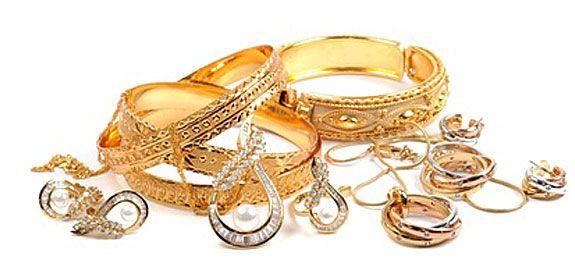"""Astuces pour nettoyer les bijoux comme les Pros ! Les meilleurs """"trucs"""" de pros pour nettoyer tous types de bijoux."""