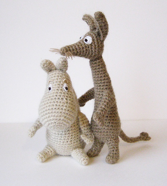 Moomintroll and Sniff- AHHHHH !!! :)