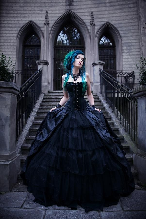 Model, make-up, hair, edit: Daedra Dress: Devilnight Photographer: Katarzyna…