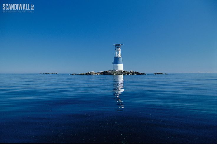 Majakka, Bogskär | http://www.scandiwall.fi/canvastaulut/kuva/skandinavian-aarteet/majakka-bogskar.html | Bogskär Lighthouse in the Bogskär islets of the Åland Islands, Finland. | http://en.wikipedia.org/wiki/Bogsk%C3%A4r