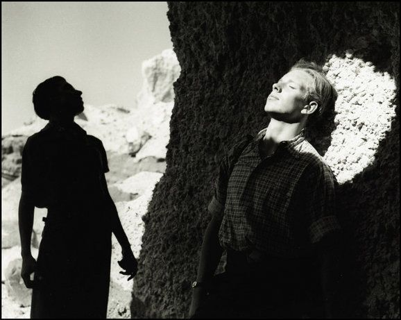 "Herbert List. Primi raggi di sole, Calascio, Abruzzi ""Light and Shadow"" 1936  ©HL/ Magnum Photos"