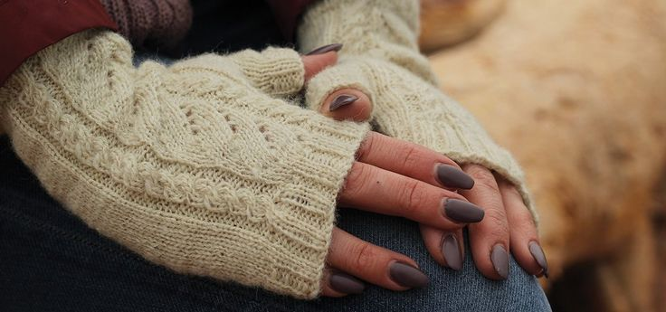 Whitecaps Fingerless Gloves                      – Fleece & Harmony PEI