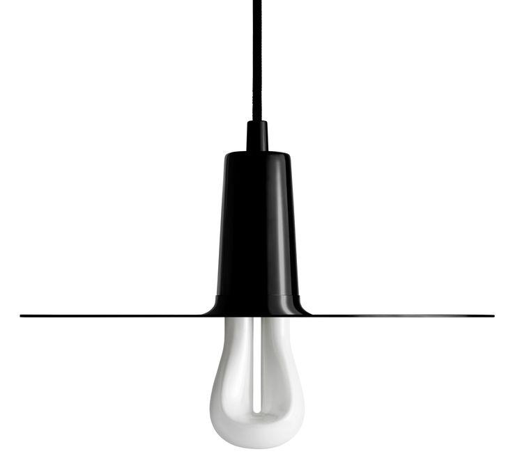 Pendelleuchte Drop Hat Model A / lackiertes Metall, Schwarz von Plumen finden Sie bei Made In Design, Ihrem Online Shop für Designermöbel, Leuchten und Dekoration.