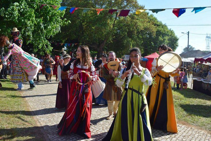 Feira Quinhentista de Alquerubim com Origo Ensemble #medieval #mediéval #medievales #marchet #fair #mercados #music #renaissance #early  info | Contacto | Booking: origoensemble@gmail.com
