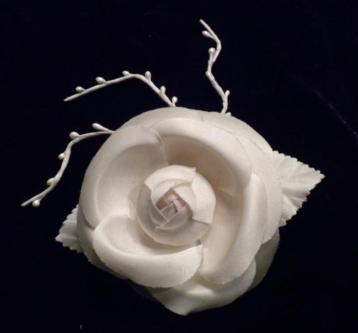 Vintage Satin Flower clip-on Bridal Headpiece: Flowers Clip On, Satin Flowers, Flowers Clipon