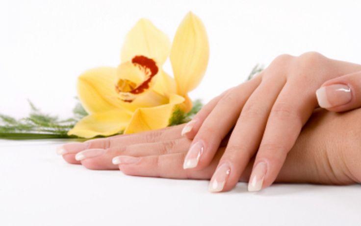 Уход за кожей рук http://sovjen.ru/ukhod-za-kozhey-ruk  Состояние кожи рук — это первое, что выдает истинный возраст женщины, поэтому ухаживать за руками не менее важно, чем за лицом. Сухая кожа рук быстро состаривается, поэтому требует регулярной подпитки и увлажнения. Предлагаем вам узнать о несложных способах продлить молодость кожи рук в домашних условиях. Избавьте кожу рук от лишних нагрузок Не стоит думать, что ...