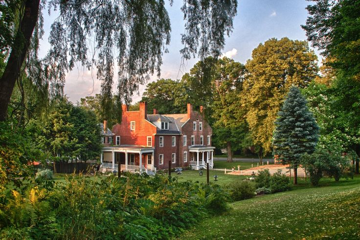 """Can't wait to visit Snap Dragon Inn in Vermont. It's the perfect NYC getaway.  Excited for """"sugaring season"""" at the maple farms, glass blowing classes, and dog sledding."""