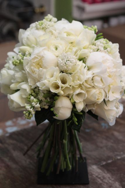 Gorgeous. If I could go back to my wedding day, I would carry this very bouquet. Peony, freesia, lilac, roses and hydrangea.