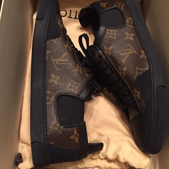 Monogram Louis Vuitton Sneakers Monogram Louis Vuitton Sneakers! Excellent condition! Only worn once! Very comfortable! LV size 6 in men's. US size 8 in men's. Will fit a US 9.5/10 in women's. Comes with original box and dust bags. Louis Vuitton Shoes Sneakers