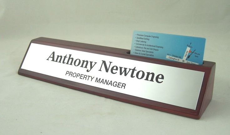Rosewood desk bar business card holder $49.50  Deep  gloss finish rosewood timber desk bar, with top slot to hold business cards.    Size 265mm x 46mm    Available with either a Gold or Silver laser nameplate, or a Black & Gold metal nameplate.