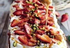 Strawberry fridge cake & caramel sauce