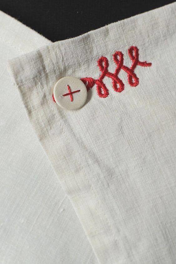 Contrast thread to button Детали в одежде интересные