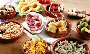 Groupon - Spanisches 3-Gänge-Menü mit Tapas, Paella und Churros inkl. Wein für 2 oder 4 in La Churreria (bis zu 43% sparen*) in La Churrería. Groupon Angebotspreis: 44,90€