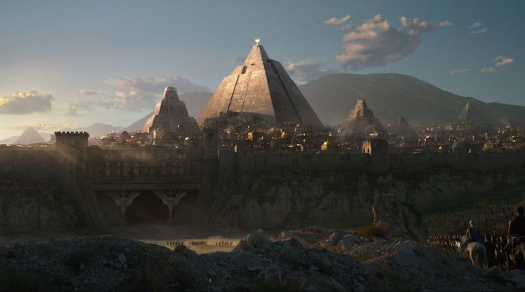 Meereen The northernmost and the largest of the three great Slaver Cities of Slaver's Bay. It is ruled by the Great Masters, the heads of Meereen's slaving families, and its wealthiest of citizens live in stepped pyramids. Meereen is as large as Astapor and Yunkai combined. Like them it is made of brick, except here the bricks are of many colors. The streets are wide and the fighting pits are red. The city is dominated by a monstrous pyramid, called the Great Pyramid.