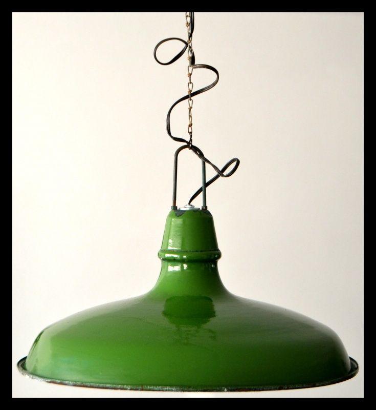 Franse groene industriële emaille hanglamp. Schotel model!