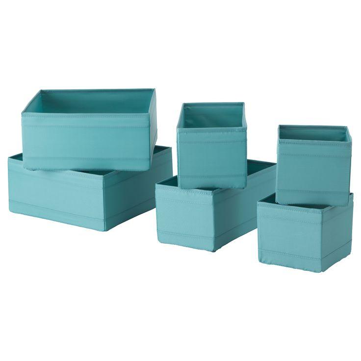 IKEA - SKUBB, Krabice, sada 6 ks, , V komodě nebo šatní skříni pomůže uspořádat ponožky, pásky a šperky.Jakmile krabici nepotřebujete a chcete ušetřit místo, jednoduše otevřete zip na dně a složte krabici na plocho.
