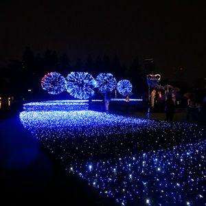 東京ミッドタウン夏のイルミネーションが今年も 日本三大花火大会とコラボ