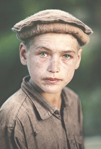 Garçon Nuristani de l'est de l'Afghanistan