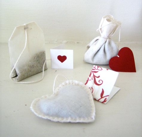 valentine's day tea bags (could make a cute wedding favour if made a bit less kitsch-y)