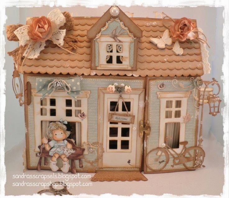A real Scrapshop template!! This cute little house is a special gift! You can also make it into a Christmas-style, a flowershop or as gift f...