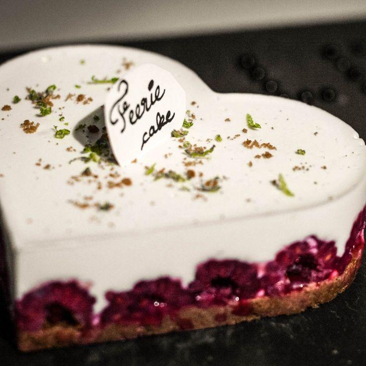 """L'entremet spéculoos framboise de Bastien pour la Saint-Valentin, concours """"Les hommes aux fourneaux""""."""