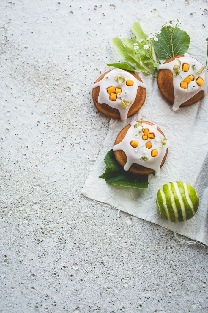 Lime, Mango and Elderflower Cakes