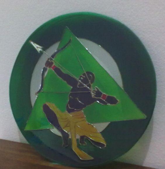 Mandala em vidro 3mm, com 30cm de diâmetro, arte em verniz vitral. Sob encomenda. Para outros tamanhos, consulte a disponibilidade por mensagem.