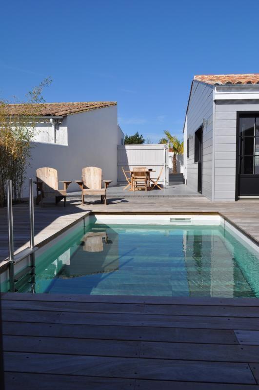 Bassin terrasse en extérieur à La Couarde #villa #iledere #location