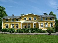 Savijärvi Manor offers a variety of activities such as stud farm, riding school, carriage driving, organic farming, catering service and farm tourism.