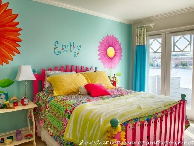 best 25 bright colored bedrooms ideas on pinterest 10948 | f0b92fde7603b6a1e2935f8cb39f2d27 picket fence headboard picket fences