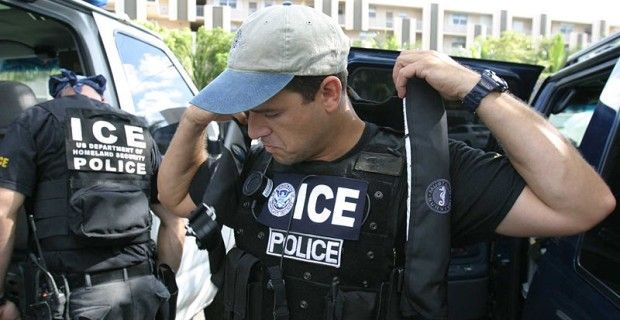 pinner:[Looks to me like Jarrett/Obama may be making their move]... Source: Obama Gives California Area ICE Agents Stand Down Order