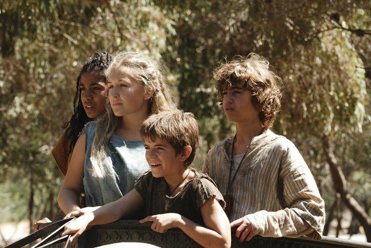 Nubia, Flavia, Lupus and Jonathan in the chariot. The Pirates of Pompeii, Roman Mysteries season one. http://www.ceskatelevize.cz/porady/10266294949-zahady-starovekeho-rima/210381465460013-zkousky-flavie-geminy/