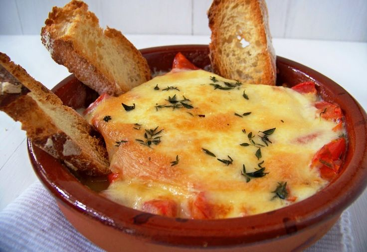 Receta: Provolone al horno con tomate y orégano