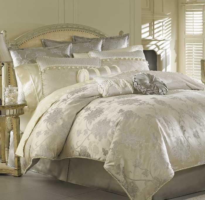 Luxury Bedding Solutions   Tatiana Queen Comforter,