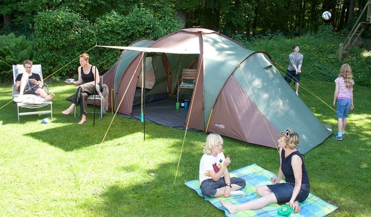 How to Choose the Best 6-Person Tent - https://bravehunters.com/best-6-person-tent-buying-guide/