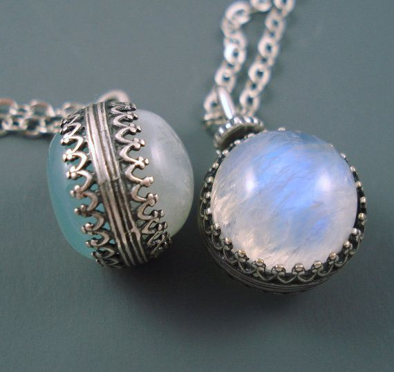 Silver revolving pendant is gorgeous. There is a AAA high quality Aqua Chalcedony cabochon natural gemstone on one side and a beautiful AAA quality