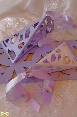 Μπομπονιέρες | ΜΩΒ Μπομπονιέρα & Πρόσκληση Γάμου σε Παλ Χρωματισμούς λιλά και λευκό - Wedding Tales - Ο γάμος των ονείρων σας!