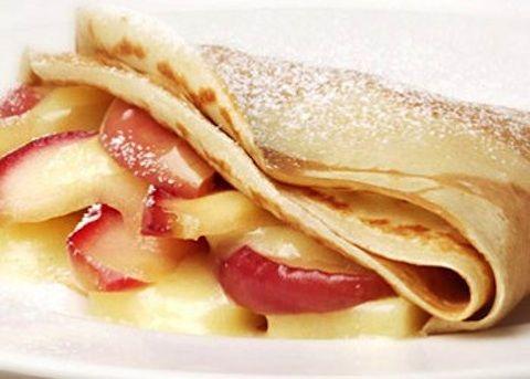 Crepes ripiene con mele e noci - La ricetta di Buonissimo