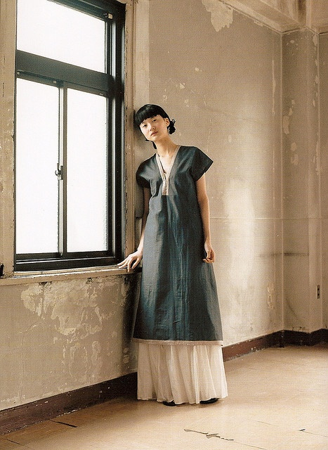 Nani Iro dress- just love this simple style, so if it was cinched a lot in a bold color...then loosened-
