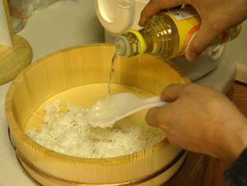 Use rice cooker to make perfect sushi rice