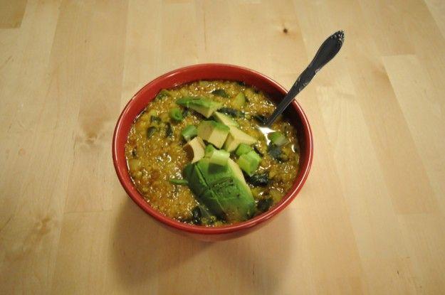 Zuppa di quinoa con avocado
