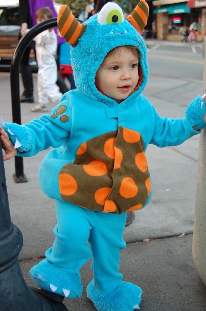 the cutest little one eyed monster costume from old navy baby halloweenhalloween - Baby Monster Halloween Costumes