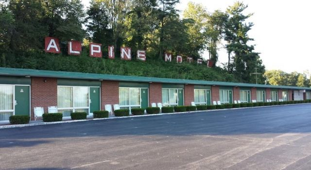 Alpine Motel - 1 Star #Motels - $49 - #Hotels #UnitedStatesofAmerica #Abingdon http://www.justigo.net/hotels/united-states-of-america/abingdon/alpine-motel-abingdon_110737.html