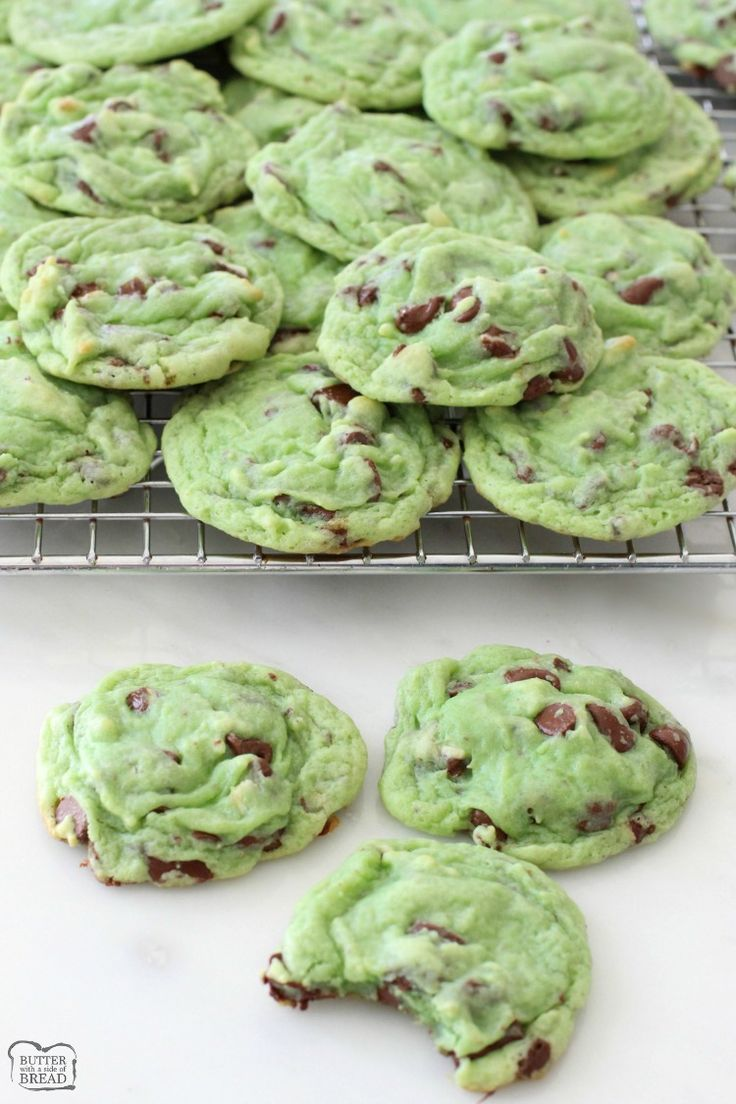 Mint Chocolate Pudding Cookies Butter With A Side Of Bread