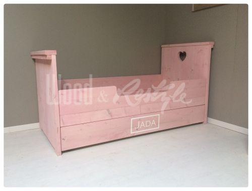 bed steigerhout roze