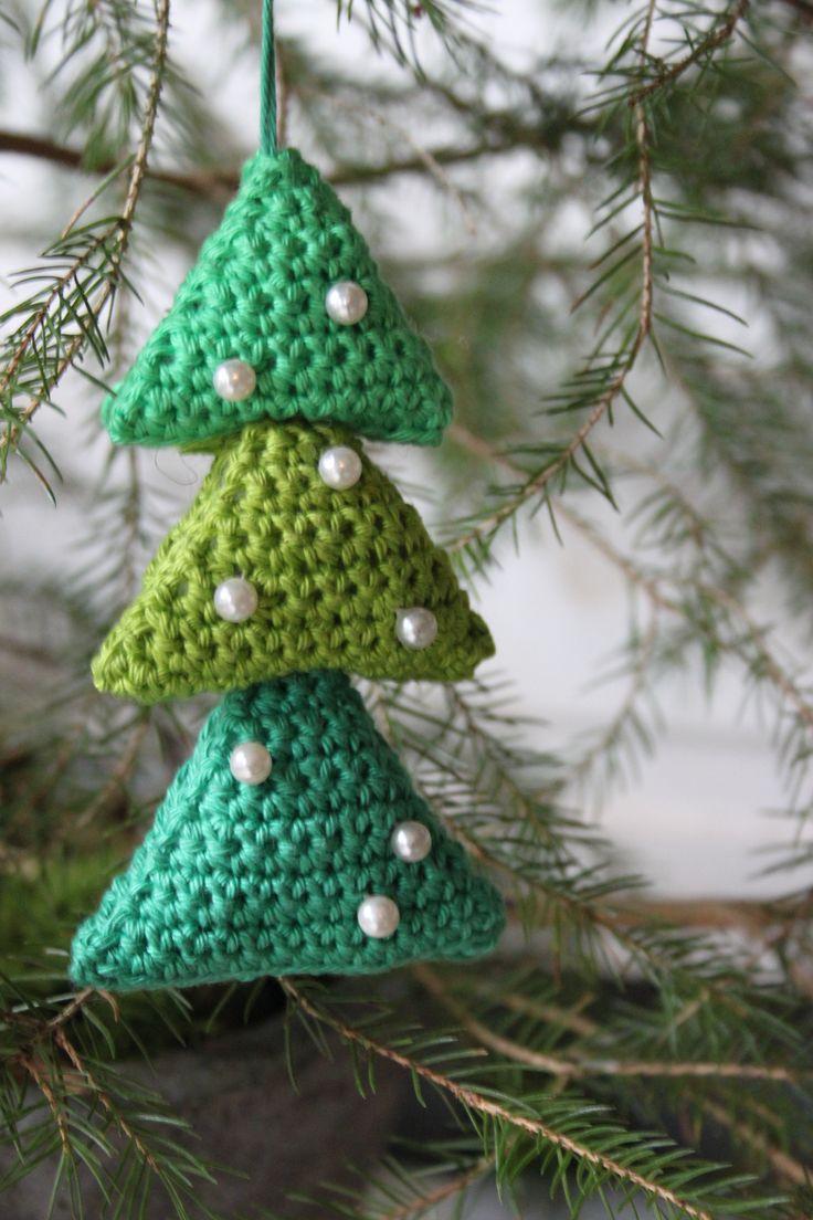 Kerstboom van driehoekjes uit inhaken op de feestdagen
