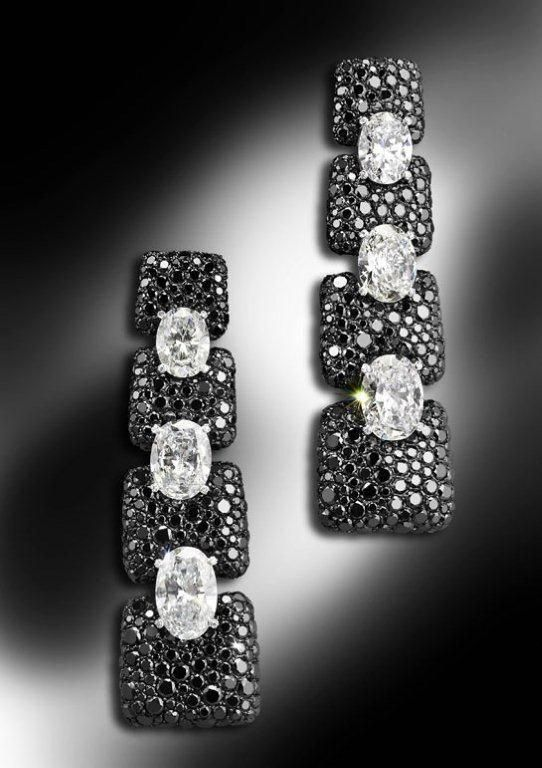 De Grisogono black and white diamond earrings #stu…