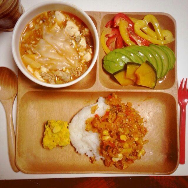 サラダ、ワンタンの皮スープ かぼちゃサラダ、挽肉と野菜のトマト味炒めご飯 - 110件のもぐもぐ - 夕飯 by kozueTTo