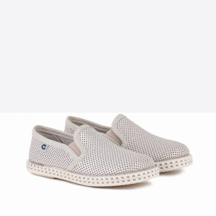 Zapatos de Niño Picados Beige - Calzado - Niño - Conguitos #conguitos #niño #shoes #collection #ss18 #zapatos #picados #beige